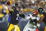 Pittsburgh Steelers quarterback Mason Rudolph (2) passes during the first half of an NFL football game against the Cincinnati Bengals in Pittsburgh, Monday, Sept. 30, 2019. (AP Photo/Tom Puskar)