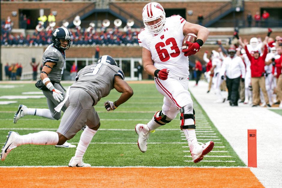 APTOPIX Wisconsin Illinois Football