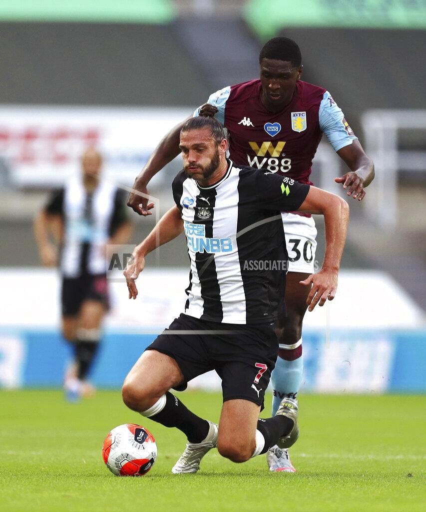 Newcastle United v Aston Villa - Premier League - St James' Park