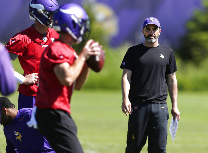 Vikings slowly but surely adjust to yet another new offense