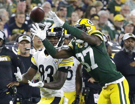 Steelers Packers Football