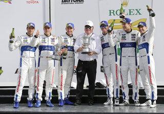 Sebastien Bourdais, Dirk Mueller, Joey Hand, Chip Ganassi, Scott Dixon, Richard Westbrook, Ryan Briscoe