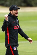Atletico Madrid's head coach Diego Simone gestures during a training session in Majadahonda, outskirts of Madrid, Spain, Monday, Feb. 17, 2020. Atletico Madrid will play its Champions League soccer match against Liverpool next Tuesday. (AP Photo/Manu Fernandez)