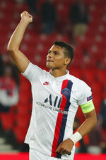 PSG's Thiago Silva applauds fans at the end of the Champions League group A soccer match between PSG and Real Madrid at the Parc des Princes stadium in Paris, Wednesday, Sept. 18, 2019. (AP Photo/Francois Mori)