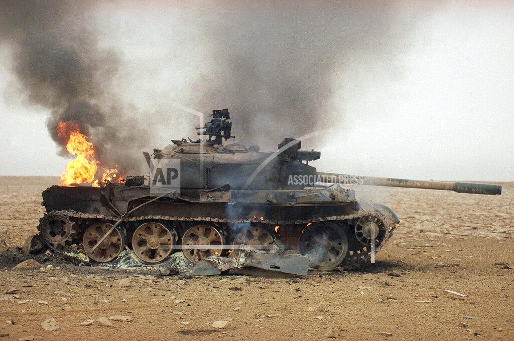 Watchf Associated Press International News   IRAQ APHS215341 Gulf  War 1991  Iraq  Equipment    Captured   Destroyed