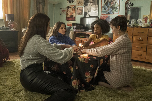 This image released by Sony Pictures shows, from left, Zoey Luna, Gideon Adlon, Lovie Simone and Cailee Spaeny in a scene from