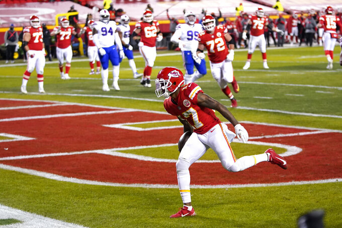 Kansas City Chiefs wide receiver Mecole Hardman catches a 3-yard touchdown pass during the first half of the AFC championship NFL football game against the Buffalo Bills, Sunday, Jan. 24, 2021, in Kansas City, Mo. (AP Photo/Jeff Roberson)