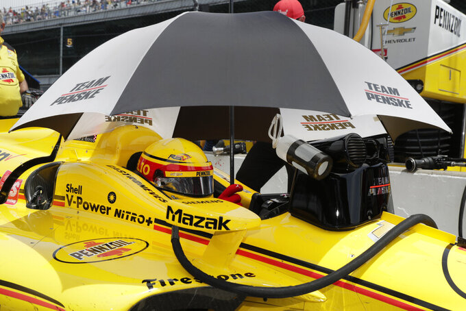 Castroneves adds goal as he chases record-tying 4th Indy win