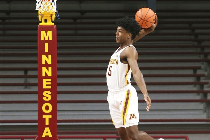 Set-to-debut Carr made best of season on Gophers scout team