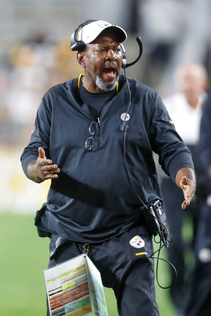 Steelers wide receivers coach Darryl Drake dies at 62