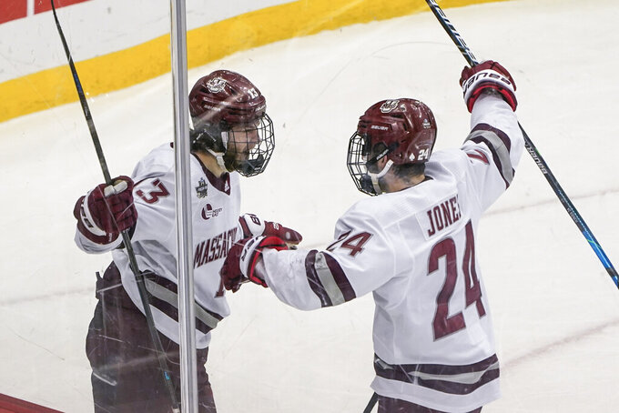 UMass beats St. Cloud State 5-0, wins first NCAA title