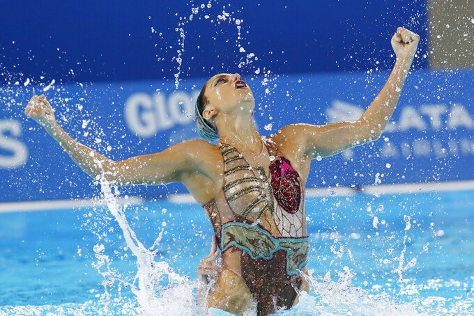 Out of sync: COVID distancing a drag for artistic swimmers