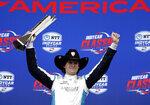 Colton Herta festeja su victoria en la carrera de la IndyCar, el domingo 24 de marzo de 2019, en Austin, Texas (AP Foto/Eric Gay)
