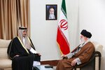 """FILE - In this Sunday, Jan. 12, 2020 file photo, released by an official website of the office of the Iranian supreme leader, Supreme Leader Ayatollah Ali Khamenei, right, meets Emir of Qatar Sheikh Tamim bin Hamad Al Thani, in Tehran, Iran. A flurry of diplomatic visits and meetings crisscrossing the Persian Gulf are driving urgent efforts to defuse the possibility of all-out war after the U.S. killed Iran's top military commander. Global leaders and top diplomats are repeating in recent days the mantra of """"de-escalation"""" and """"dialogue,"""" yet none have publicly laid out a path to achieving either. (Office of the Iranian Supreme Leader via AP, File)"""