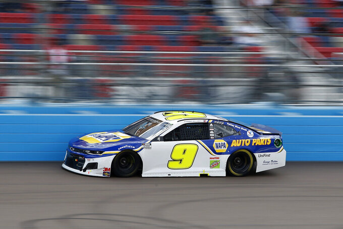 Chase Elliott drives during the NASCAR Cup Series auto race at Phoenix Raceway, Sunday, Nov. 8, 2020, in Avondale, Ariz. (AP Photo/Ralph Freso)