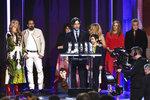 Noah Baumbach accepts the Robert Altman award for