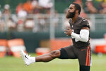 Cleveland Browns middle linebacker Anthony Walker warms up during practice at the NFL football team's training camp facility, Tuesday, Aug. 17, 2021, in Berea, Ohio. (AP Photo/Tony Dejak)