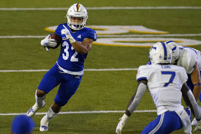 San Jose State running back Kairee Robinson (32) runs against Air Force during the first half of an NCAA college football game in San Jose, Calif., Saturday, Oct. 24, 2020. (AP Photo/Jeff Chiu)