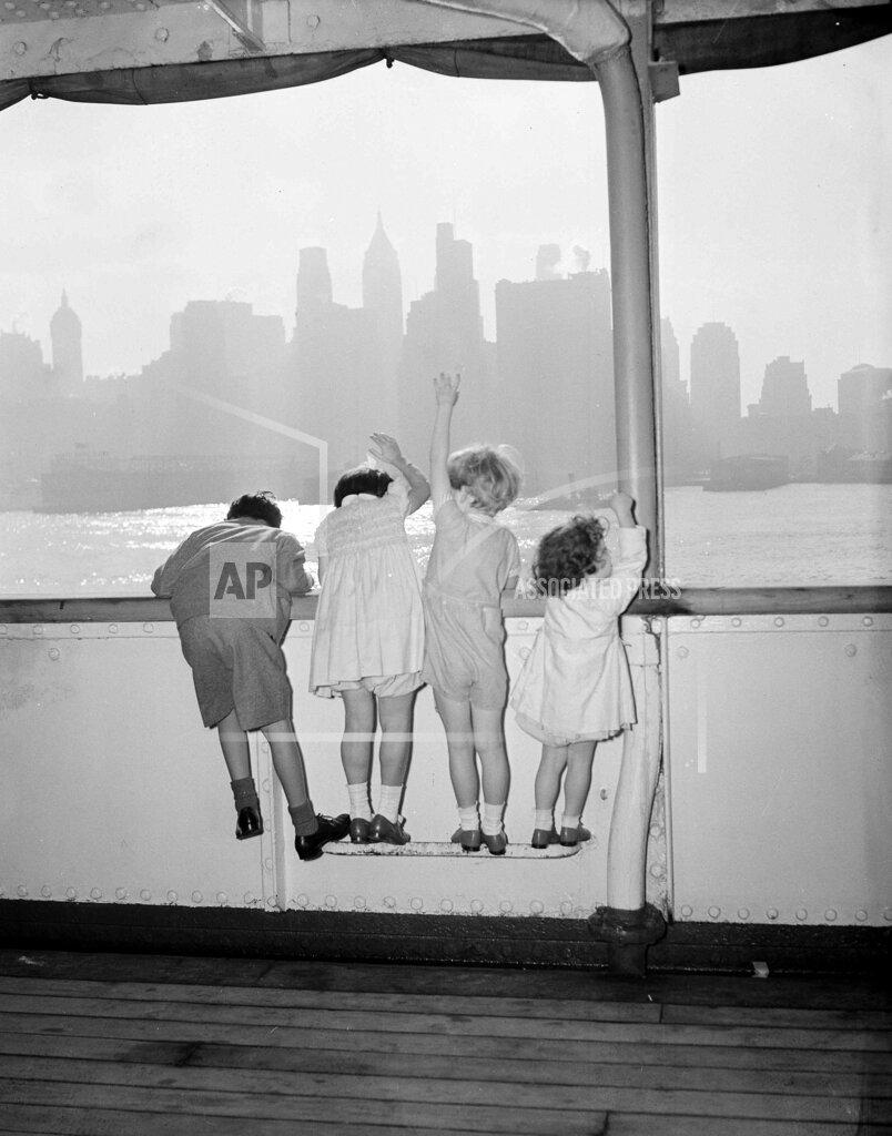 Watchf AP A  NY USA APHS450398 British Refugee Children