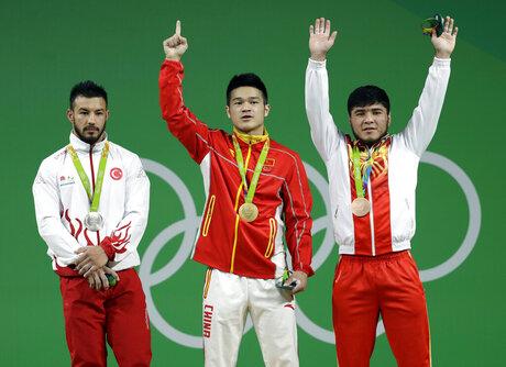 Shi Zhiyong, Daniyar Ismayilov, Izzat Artykov