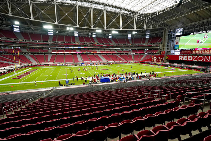 The Arizona Cardinals and the Washington Football Team compete during the first half of an NFL football game, Sunday, Sept. 20, 2020, in Glendale, Ariz. (AP Photo/Ross D. Franklin)