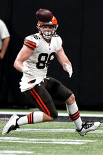 Cleveland Browns tight end Connor Davis (86) prepares to make the catch against the Atlanta Falcons during the second half of a preseason NFL football game, Sunday, Aug. 29, 2021, in Atlanta. (AP Photo/Brynn Anderson)