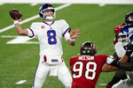 New York Giants quarterback Daniel Jones throws during the first half of an NFL football game against the Tampa Bay Buccaneers, Monday, Nov. 2, 2020, in East Rutherford, N.J. (AP Photo/Corey Sipkin)