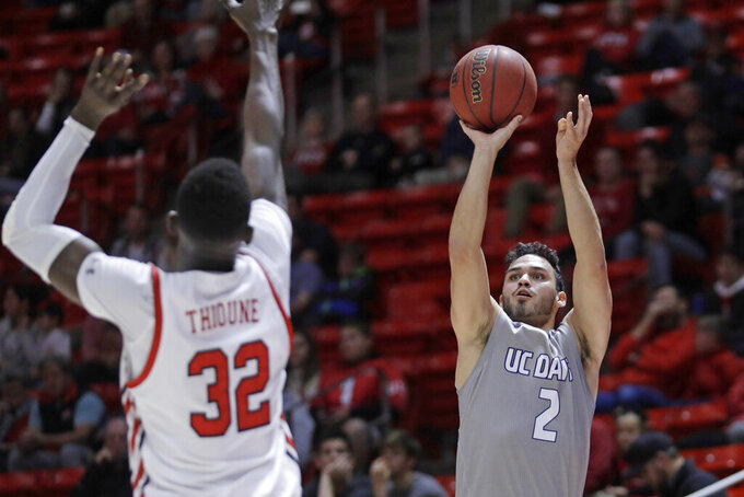 Allen scores 20 as Utah fends off UC Davis 77-73