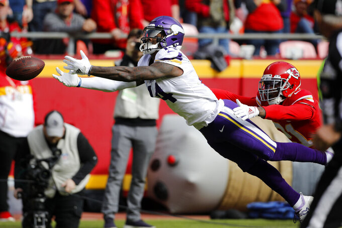 Offensive balance missing early in Vikings' loss to Chiefs
