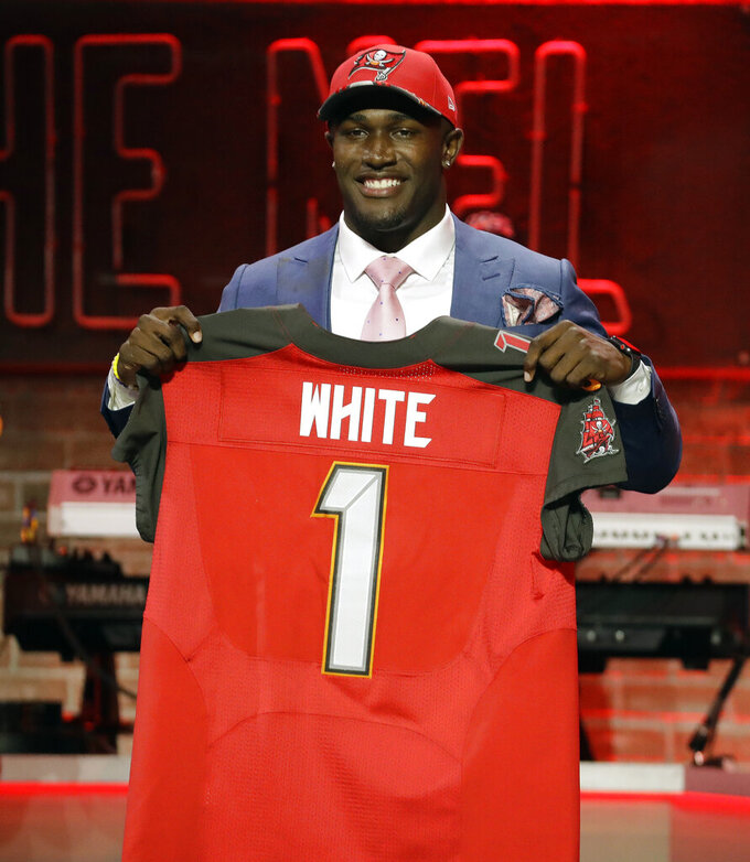 Buccaneers select LB Devin White in 1st round of NFL draft