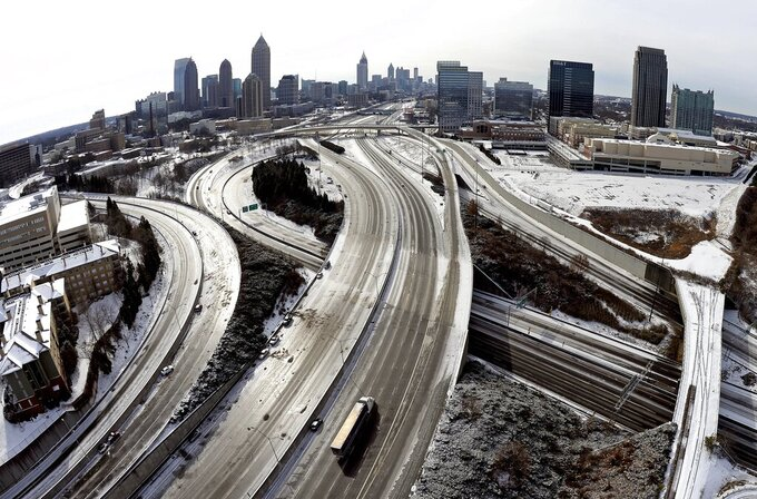 5 years after 'snow jam,' storm takes aim at Super Bowl city