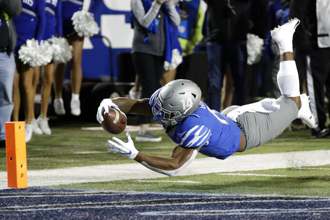 No. 19 Memphis showing off offense filled with playmakers