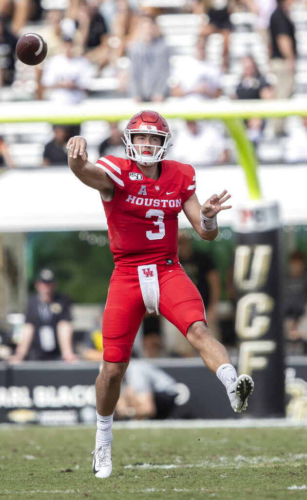 Houston quarterback Clayton Tune (3) throws a pass during the second half of an NCAA college football game against Central Florida in Orlando, Fla., Saturday, Nov. 2, 2019. Central Florida won 29-44. (Photo/Willie J. Allen Jr.)