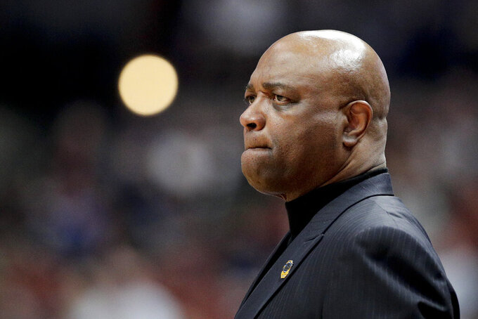 Florida State head coach Leonard Hamilton watches during the first half the team's NCAA men's college basketball tournament West Region semifinal against Gonzaga on Thursday, March 28, 2019, in Anaheim, Calif. (AP Photo/Jae C. Hong)