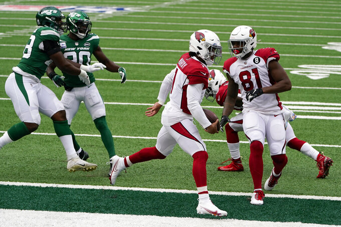 Arizona Cardinals quarterback Kyler Murray (1) runs in a touchdown during the first half of an NFL football game against the New York Jets, Sunday, Oct. 11, 2020, in East Rutherford. (AP Photo/Seth Wenig)