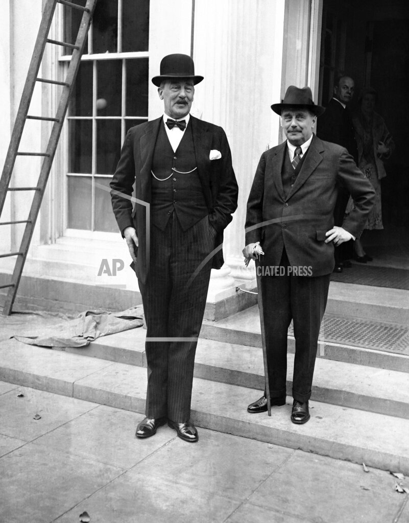 Watchf AP A  DC USA APHS369450 H.G. Wells and Sir Ronald Lindsay