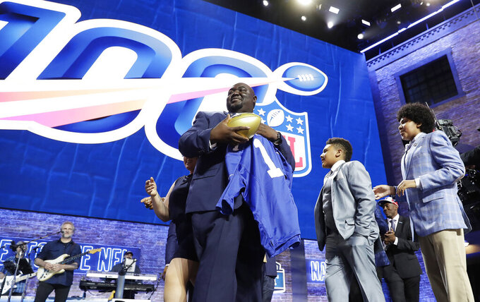 Giants take Ximines with only pick on Day 2 of NFL draft