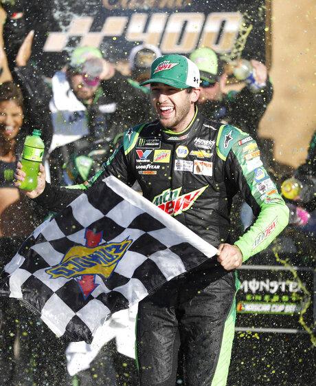 NASCAR Kansas Auto Racing