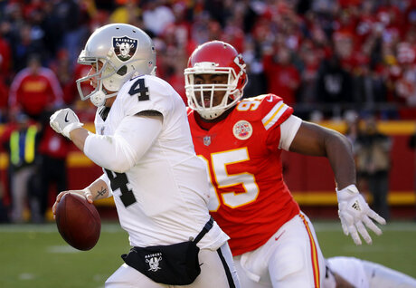 Derek Carr, Chris Jones