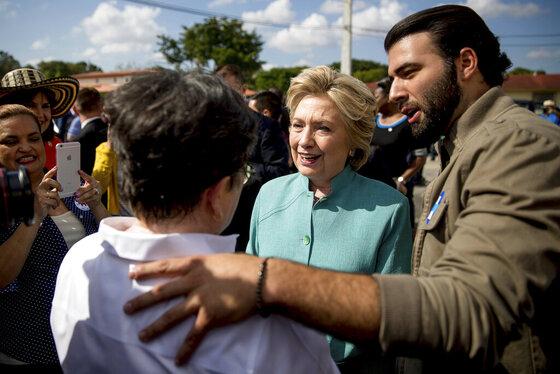 Hillary Clinton, Jencarlos Canela