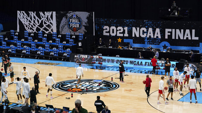 Baylor and Houston warm up before a men's Final Four NCAA college basketball tournament semifinal game, Saturday, April 3, 2021, at Lucas Oil Stadium in Indianapolis. (AP Photo/Darron Cummings)