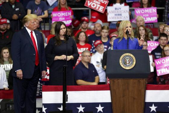 Donald Trump, Kellyanne Conway, Sarah Huckabee Sanders