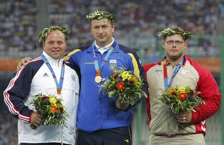 Paul Newberry Honoring Medalists