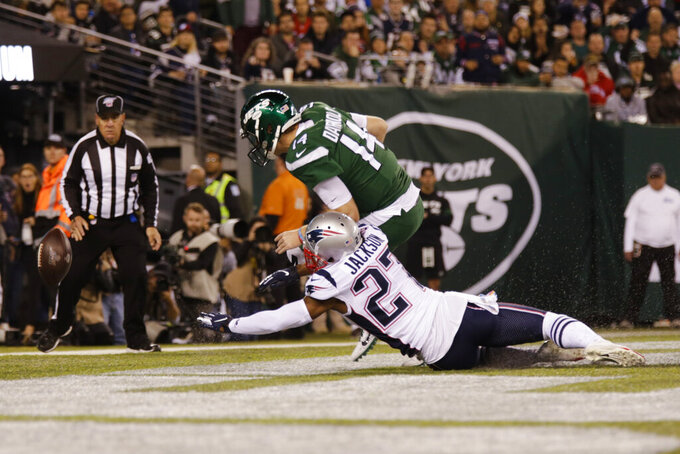 Patriots blitz Darnold, Jets 33-0 to remain undefeated