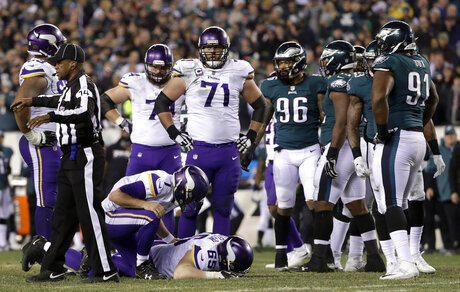 Vikings Eagles Football