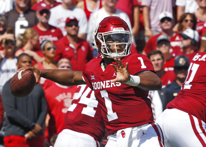 Oklahoma quarterback Kyler Murray (1) throws in the first half of an NCAA college football game against Florida Atlantic in Norman, Okla., Saturday, Sept. 1, 2018. (AP Photo/Sue Ogrocki)