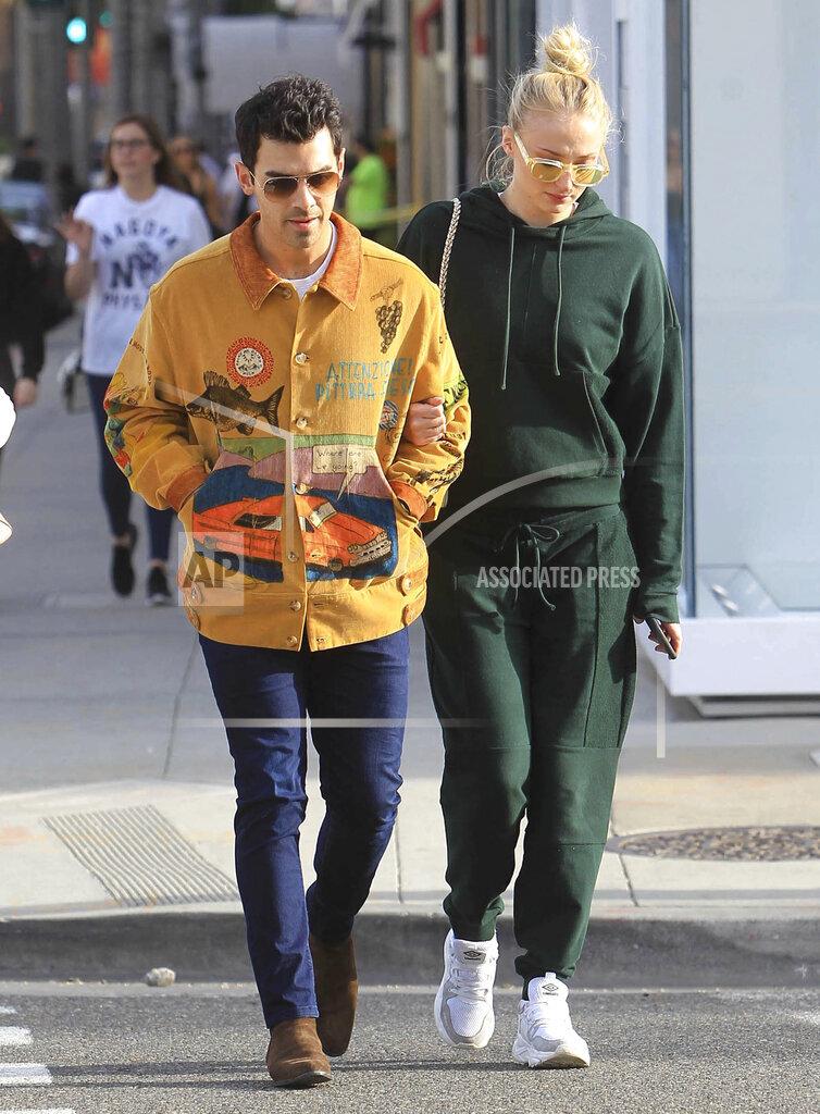 Joe Jonas and Sophie Turner expecting first child - 2/13/20