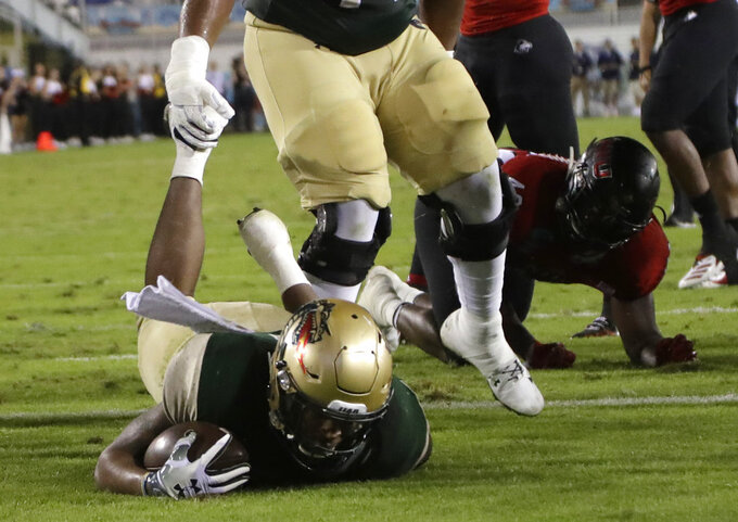 UAB running back Spencer Brown scores a touchdown during the first half of the Boca Raton Bowl NCAA college football game against Northern Illinois, Tuesday, Dec. 18, 2018, in Boca Raton, Fla. (AP Photo/Lynne Sladky)