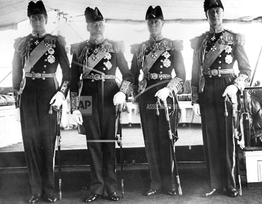 Watchf AP I FILE  XEN GBR APHS386950 King George V and sons