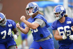 New York Giants' Nick Gates, center, participates in practice at the NFL football team's training camp in East Rutherford, N.J., Wednesday, Aug. 19, 2020. (AP Photo/Seth Wenig)